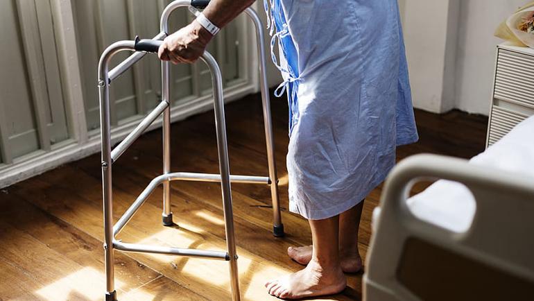 Rehabilitación y recuperación tras cirugía por fractura de cadera