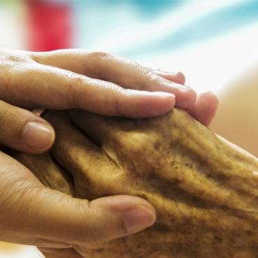 La importancia de conectar con el cuidador y de su empatía hacia la persona