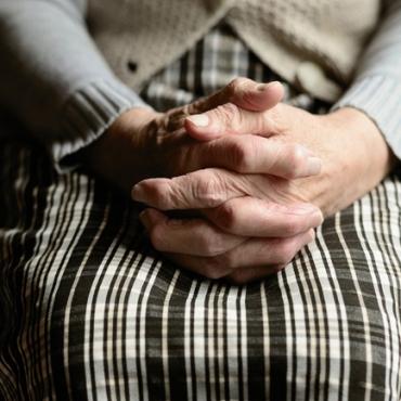 Infección de orina en personas mayores